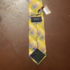 BASILE Silk Tie yellow New with Tags.
